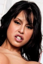 Alejandra Maderos
