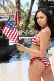 4th Of July With Ariana 1 of 20