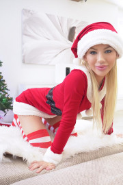 Vibrator For Christmas with Bella Rose