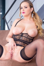 Candy Alexa, curvy and busty babe enjoys anal with Candy Alexa