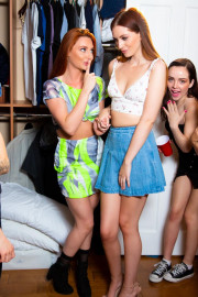Seeing Red: Closet Kissers with Lola Fae, Maya Kendrick and Lacy Lennon