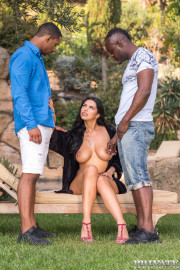 Kira Queen, interracial threesome in the garden with Kira Queen