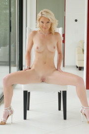 StepMom's Fantasy with Laura Bentley