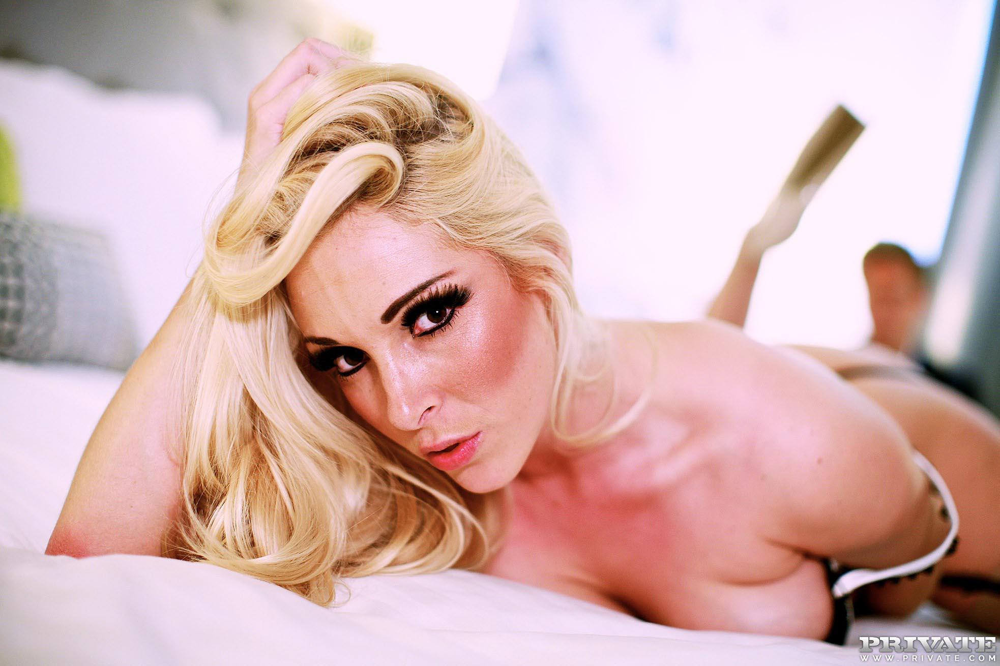 photo 2 of 12 victoria summers, busty blonde slut fucking wi